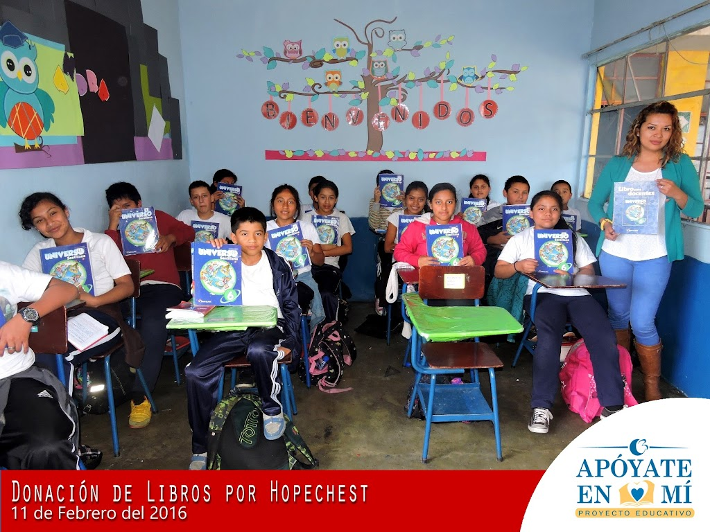 Donacion-de-Libros-de-Texto-por-Hope-Chest-11