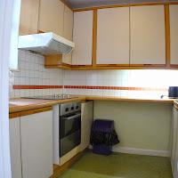 Room 32-kitchen