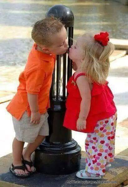 Babies kissing romantic boy and girl photo whatsapp