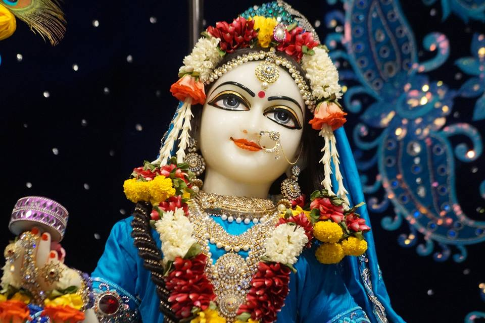 ISKCON Noida Deity Darshan 11 May 2016 (8)