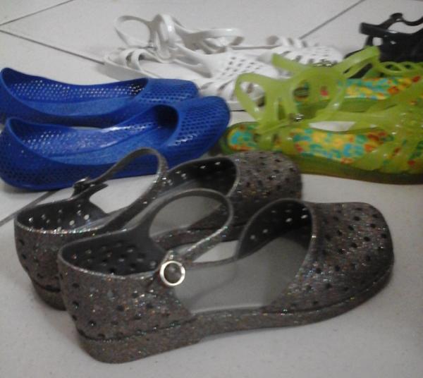 Calçados de plástico