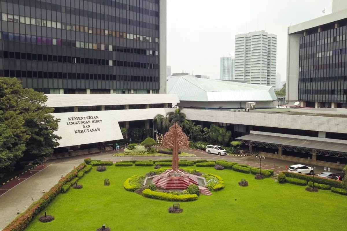 Indonesian KLHK deplore Greenpeace Protesters not Comply with Procedures