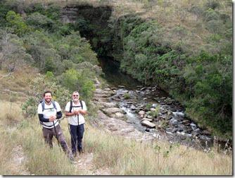 trilha-cachoeira-das-oncas-carrancas-1