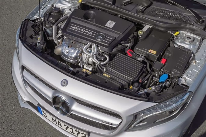 Mercedes-Benz GLA 45 AMG-3