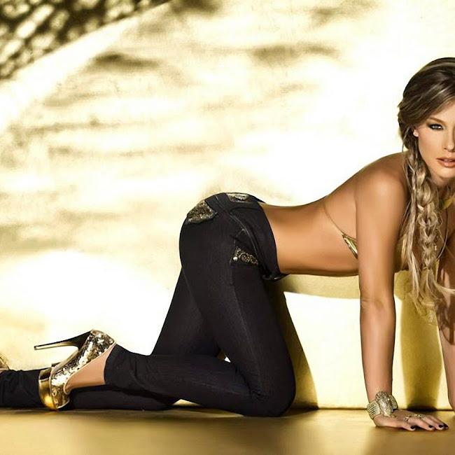 Erika Botero Sexy Komodo Jeans Foto 18