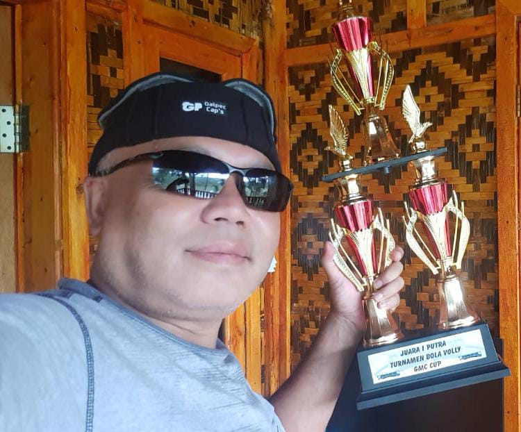 Nazwa Kolam Renang Parakan Salak Juarai Turnamen Volley Ball Putra GMC CUP ke 5