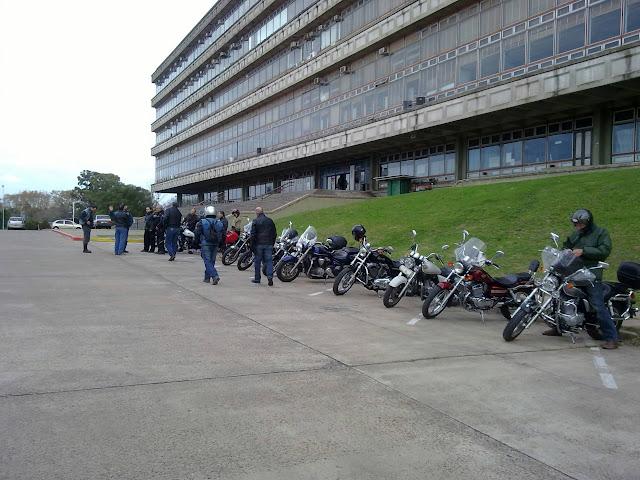 Relato, videos e imágenes de la Charla de Conduccion Segura  del 29/05/2011 29052011145