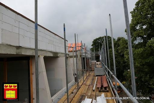 Appartementencomplex de linde  heeft zijn hoogste punt bereikt overloon 28-06-2013 (30).JPG