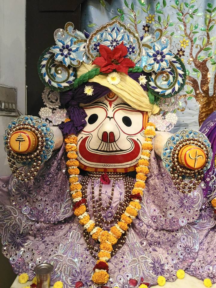 ISKCON Rajkot Deity Darshan 01 Jan 2017 (8)