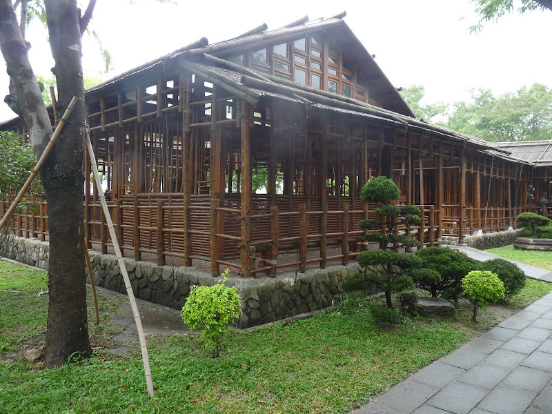 Fondation Tzu Chi Hualien. Une construction raffinée en bambou de 10 ans d'âge.