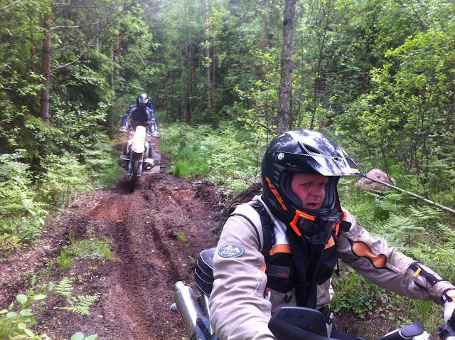 Erst Ausfahrt in finnischen Wäldern