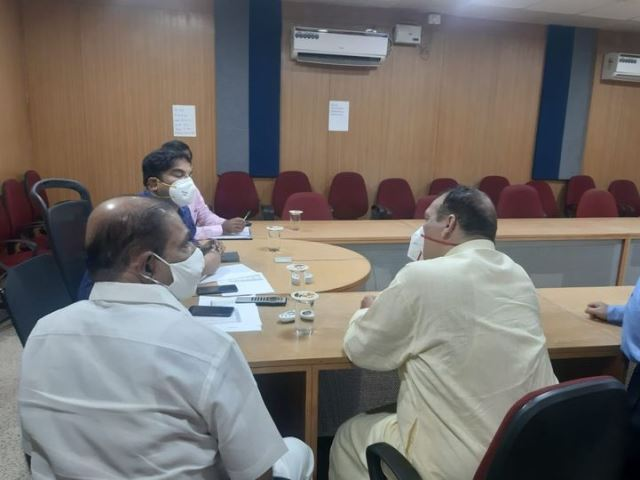 Vaccine Shortage in Mangaluru | ಮಂಗಳೂರು: ಆರೋಗ್ಯ ಕೇಂದ್ರಗಳಲ್ಲಿ ಅರಾಜಕತೆ?: ಲಸಿಕೆ ಇಲ್ಲ, ಕ್ಯೂ ನಿಂತ ಜನರಿಂದ ಹಿಡಿಶಾಪ