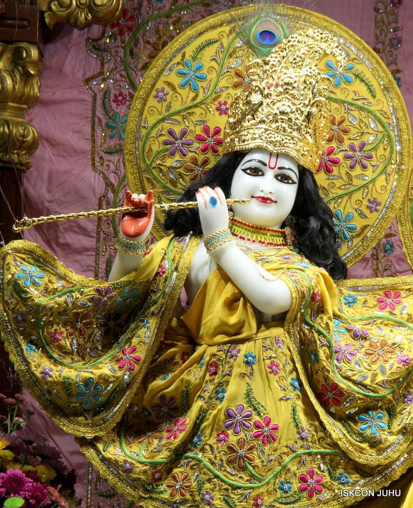 ISKCON Juhu Mangla Deity Darshan 22  Nov 2016 (24)