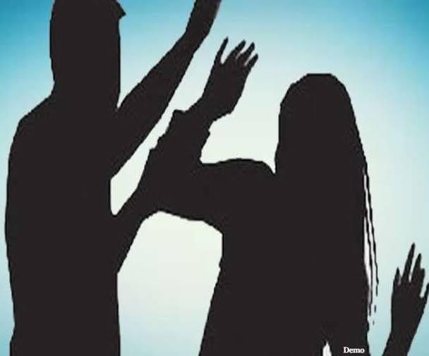समस्तीपुर में ASI की पिटाई से महिला हुई बेहोश, आक्रोशित लोगों ने थाने पर किया हंगामा,