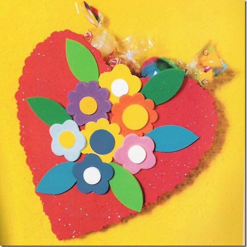 Manualidades día de la madre Corazón con flores