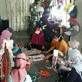 Pkk Sungai Dusun membuat kesediaan Masker untuk Perangi Covid-19