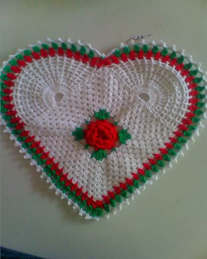 نماذج كروشية على شكل قلوب 2014 قلوب كروشي بالصور - مفارش كروشيه بشكل قلوب روعة  نماذج كروشية قلوب 2014 قلوب
