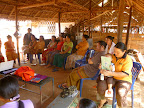 The discussions coming to an end, a true community spirit amongst the weavers in the Camp