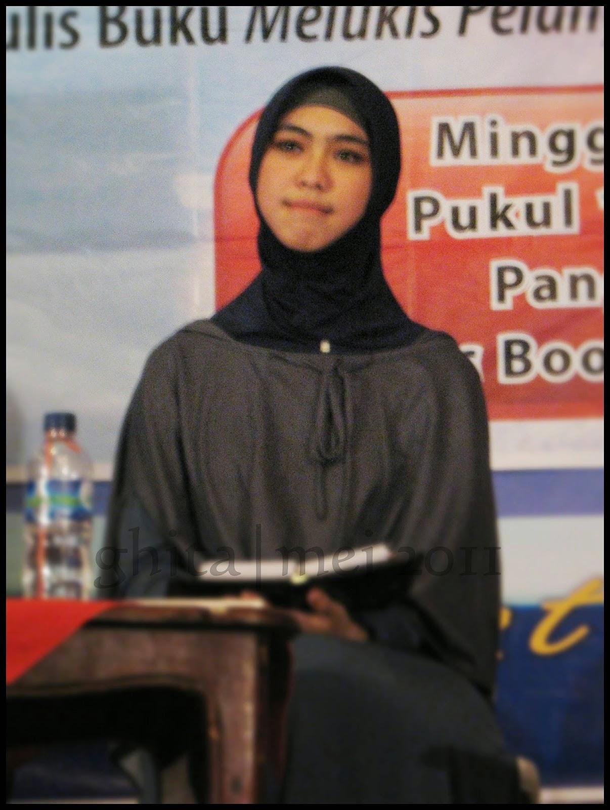 Tutorial Hijab Pashmina Hitam Putih Blog Video Tutorial
