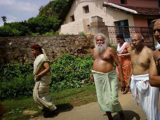 SPIRITUAL BLISS: AVADHOOTHA'S STATE & WAY OF LIFE    (MY GURU)