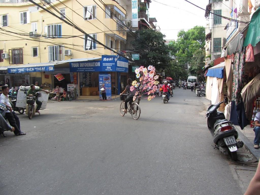 0050The_Streets_of_Hanoi