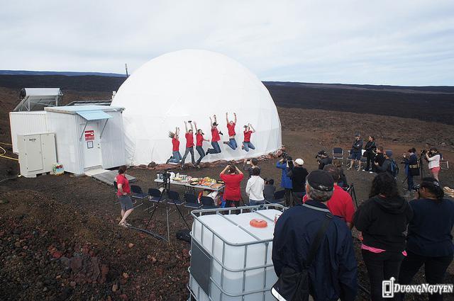 Thí nghiệm kéo dài lâu nhất của NASA, giả lập môi trường sống trên sao Hỏa, đã kết thúc.