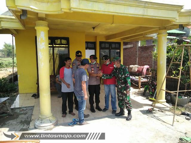 Polresta Mojokerto bantu warga korban puting beliung