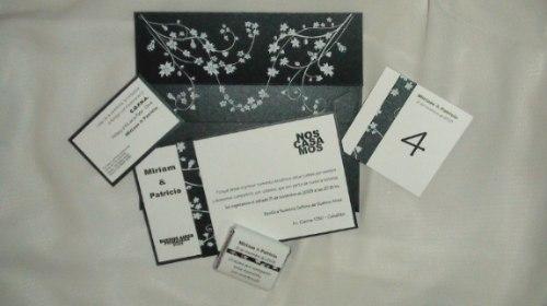 Invitación negra floral para boda