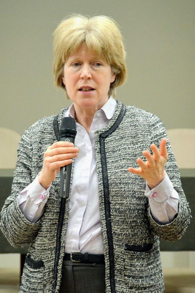Antonia Tully - Educatia sexuala in Marea Britanie 058
