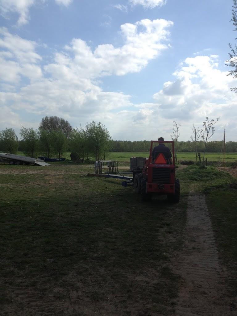 Bas maakt gelijk het hele grasveld leeg.
