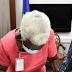 Abinader dona parte de su salario a señora de 108 años