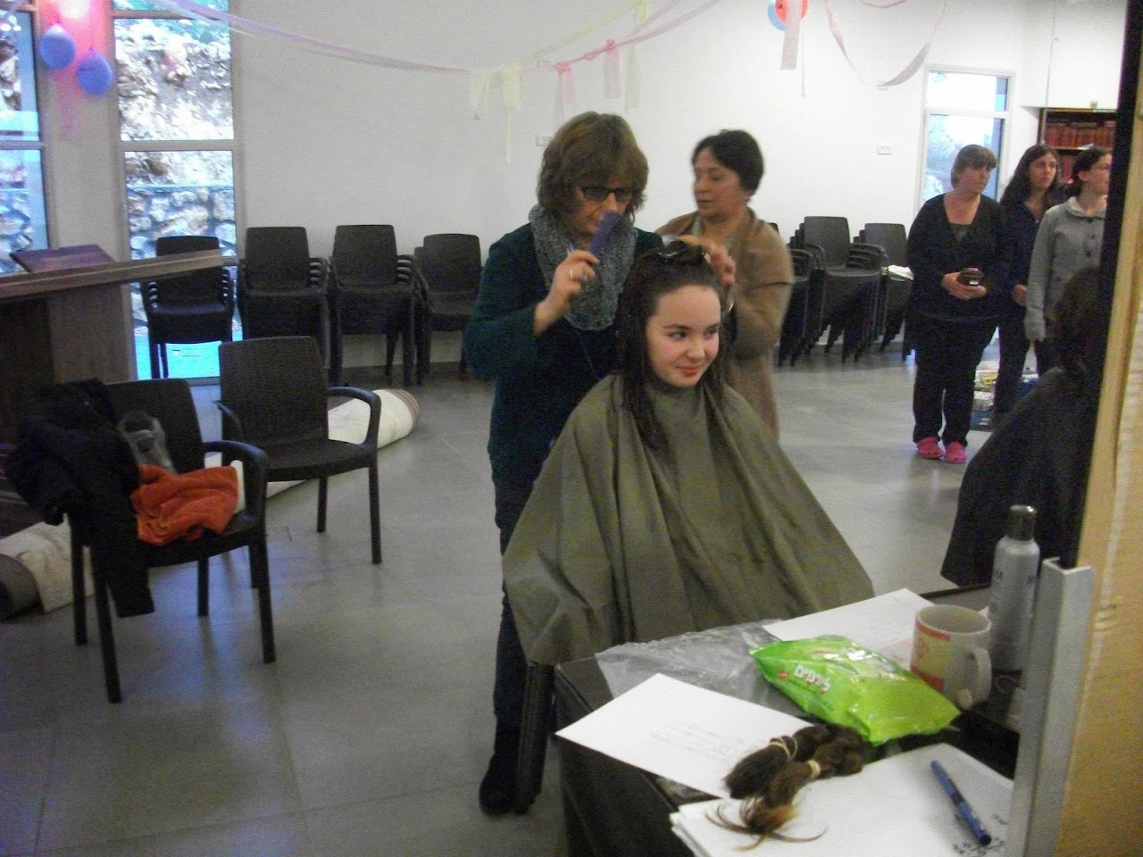 Donating hair for cancer patients 2014  - 1912152_539677126148585_1460874468_o.jpg