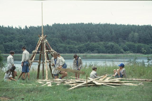 1985-1994 - 444-.jpg