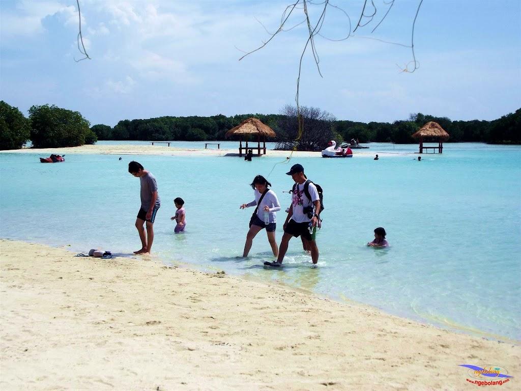 family trip pulau pari 140716 Fuji 202