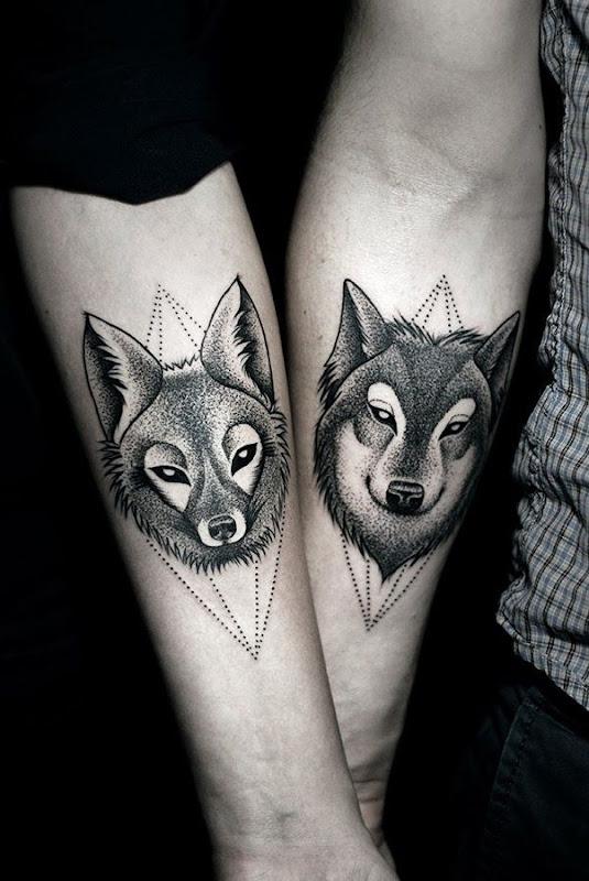 lobo_e_a_raposa_casal_braço_tatuagens