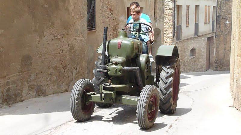 Photographiez des tracteurs ! P1050600-004