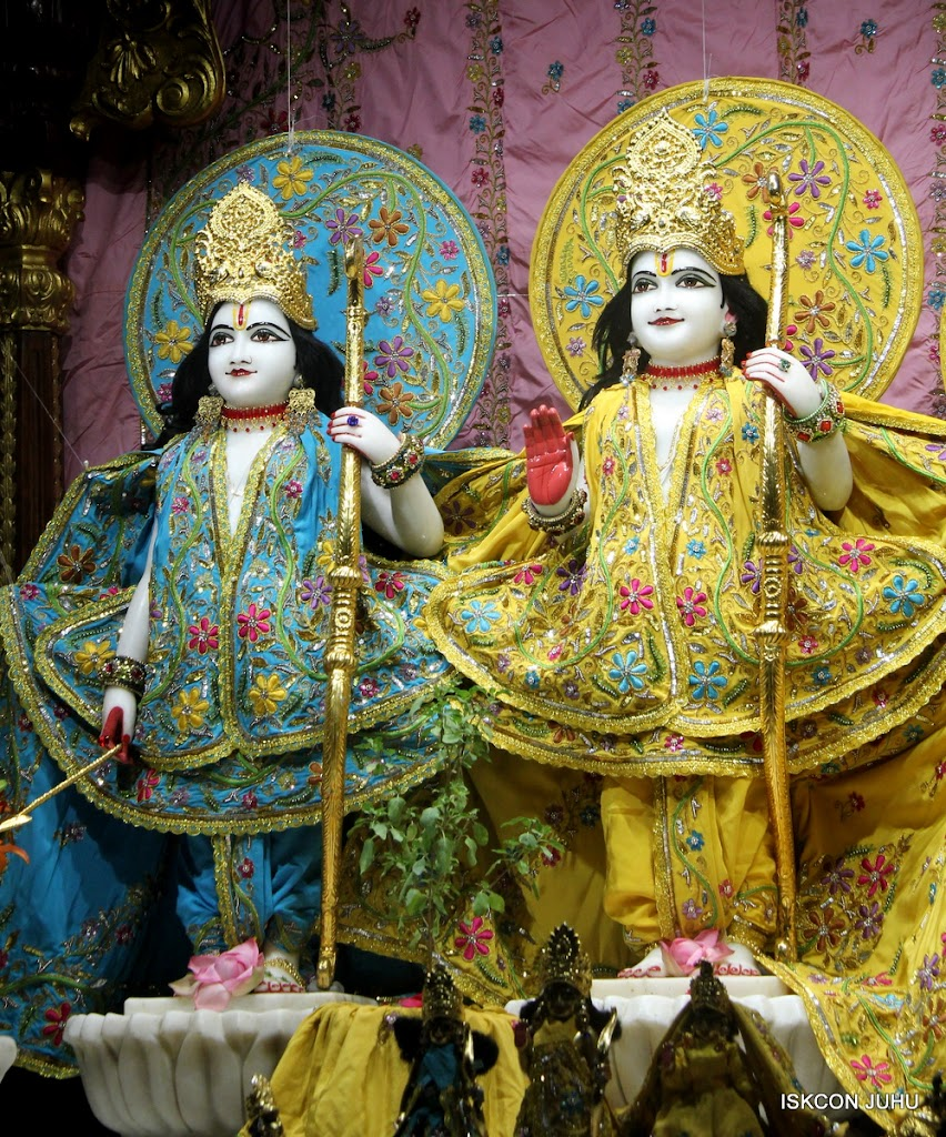 ISKCON Juhu Mangal Deity Darshan on 30th May 2016 (10)