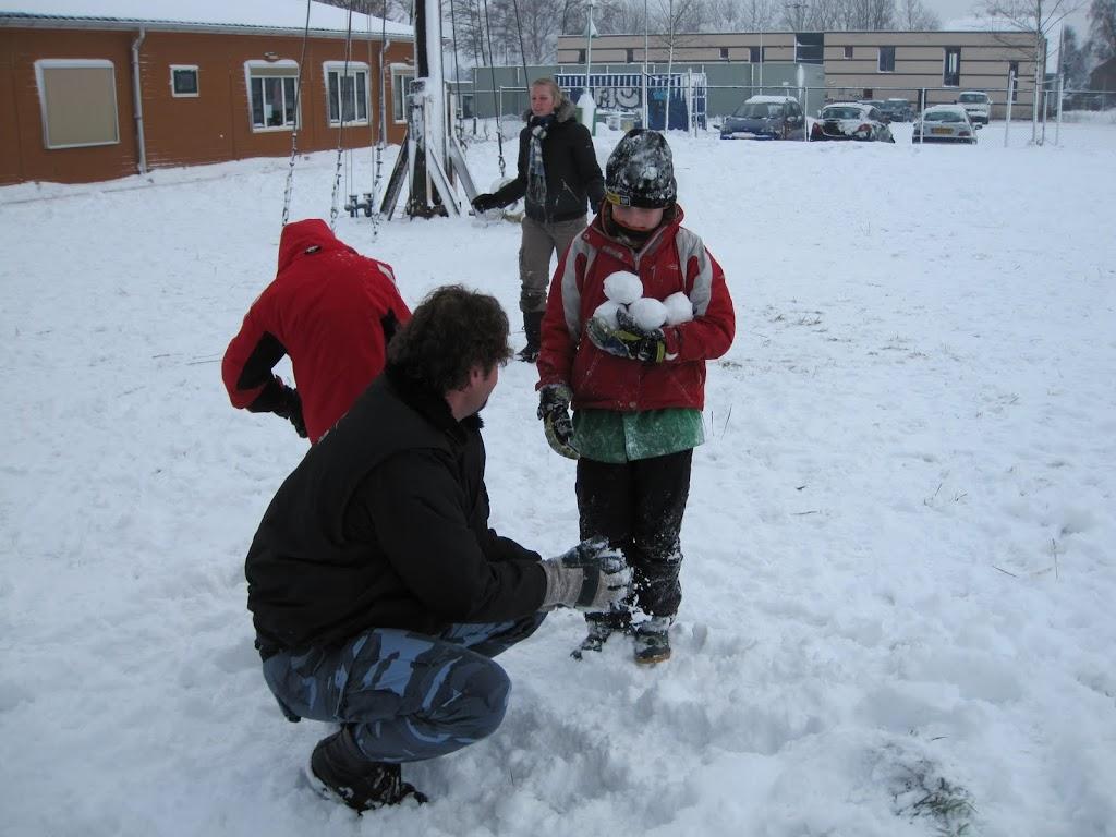 Welpen - Sneeuwpret en kerstbal maken - IMG_2708.JPG