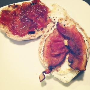 Making Mama's Kitchen: Bacon, Egg, & Tomato Jam Breakfast ...