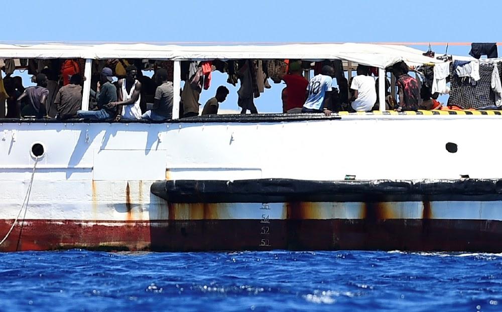 Die situasie is 'plofbaar' vir 134 migrante langs die kus van Italië