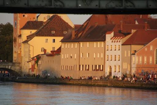 https://lh3.googleusercontent.com/-04GgeinUxbI/Ti7olNiYcXI/AAAAAAAAKr4/oQr3etT_T20/Regensburg-Spaziergang-Vorabend-Ironman-IMG_6472.JPG