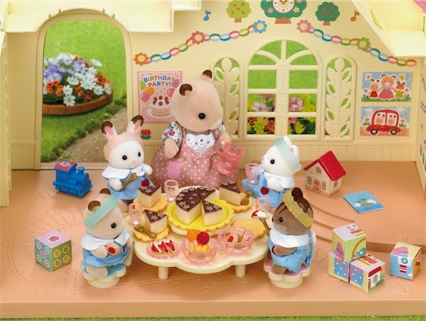 Một bữa tiệc được tổ chức ngay tại trường mẫu giáo