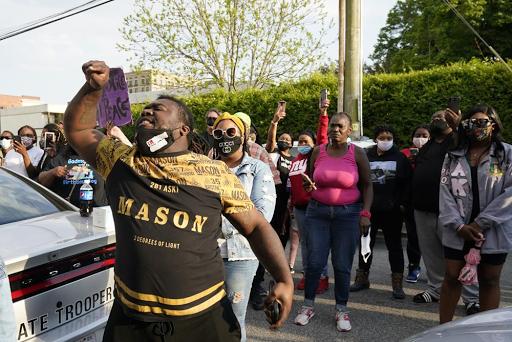 NC Deputy fatally shot Black man while serving warrant