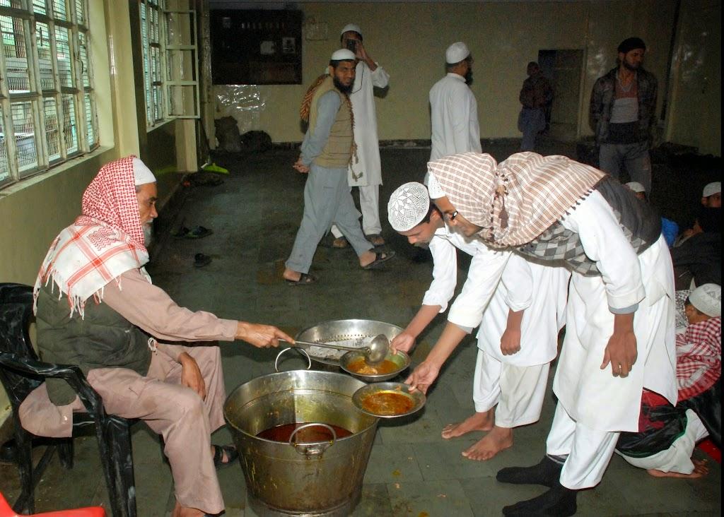 Sunnah Mess 11-27-2006 7-03-11 AM