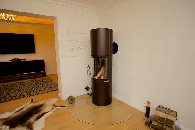 Holz kamin gas modern geschlossene feuerstelle slimfocus for Elektrischer kamin weiay