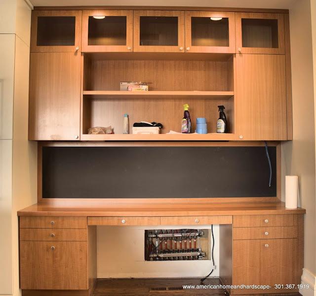 Interior - desk1.JPG