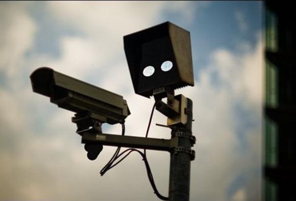 [Security-Camera-paranoid-13936578-800-600%5B5%5D]