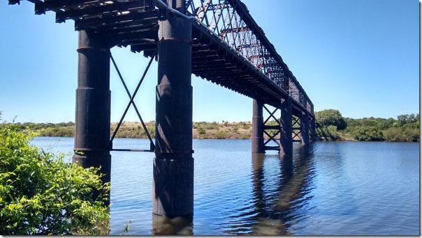 ponte-ferrea-sobre-o-rio-arapey