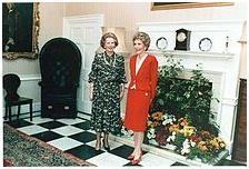 http://upload.wikimedia.org/wikipedia/commons/thumb/b/bf/Margaret_Thatcher_Nancy_Reagan_1986.jpg/220px-Margaret_Thatcher_Nancy_Reagan_1986.jpg