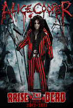 Alice_Cooper-Raise_the_Dead_Tour_2013